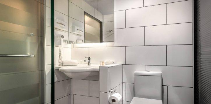 ibis_carlton_bathroom_3075_web