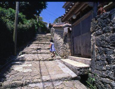 kinjo-cho-ishidatami-michi
