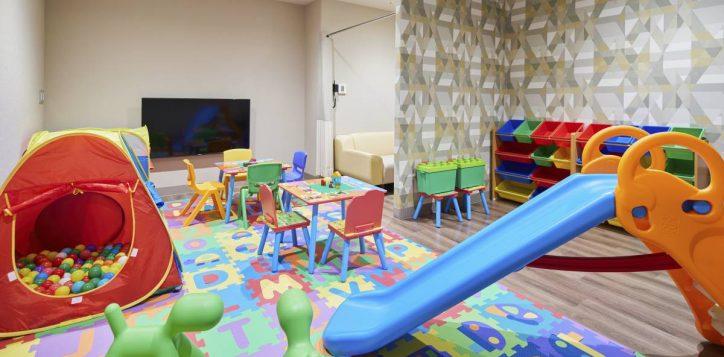 kids-club-nursing-room
