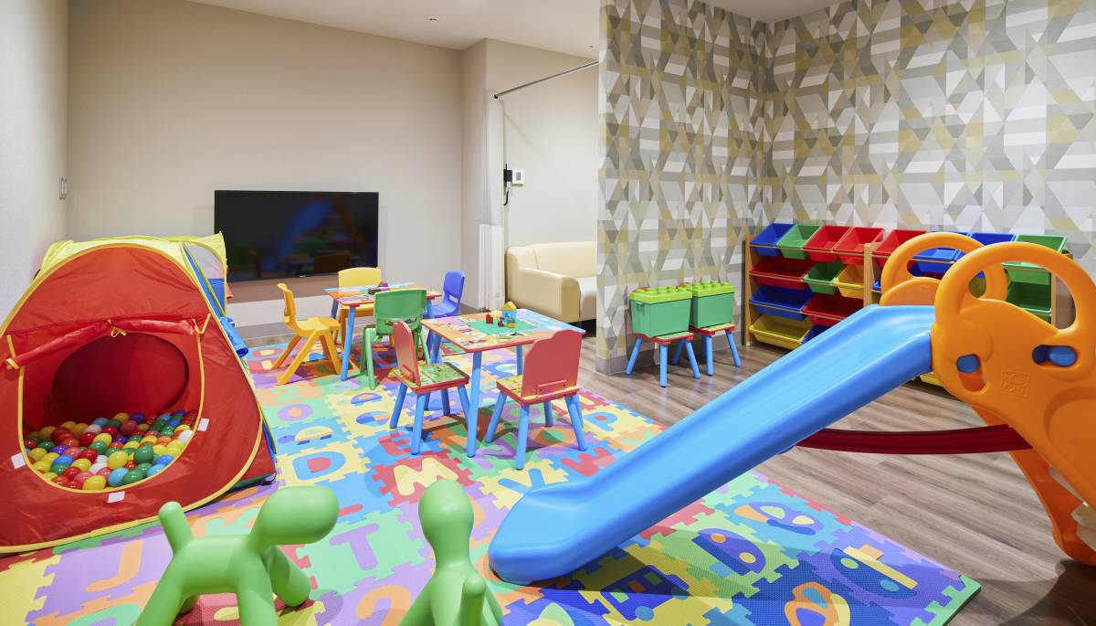 kids-club-nursing-room