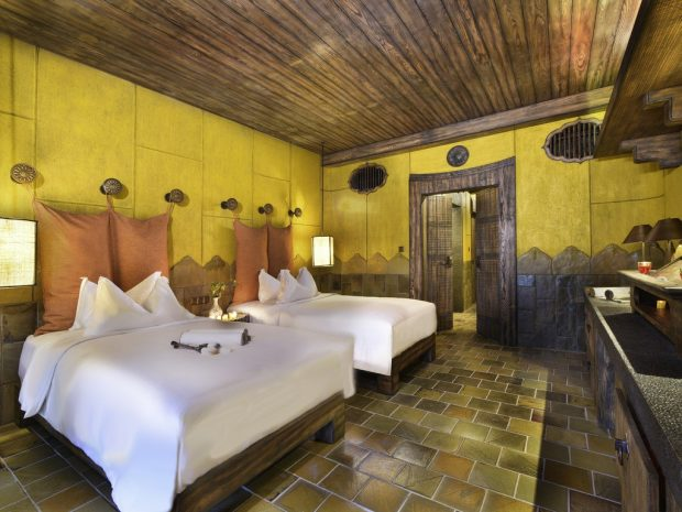 deluxe-room-2-single-size-beds
