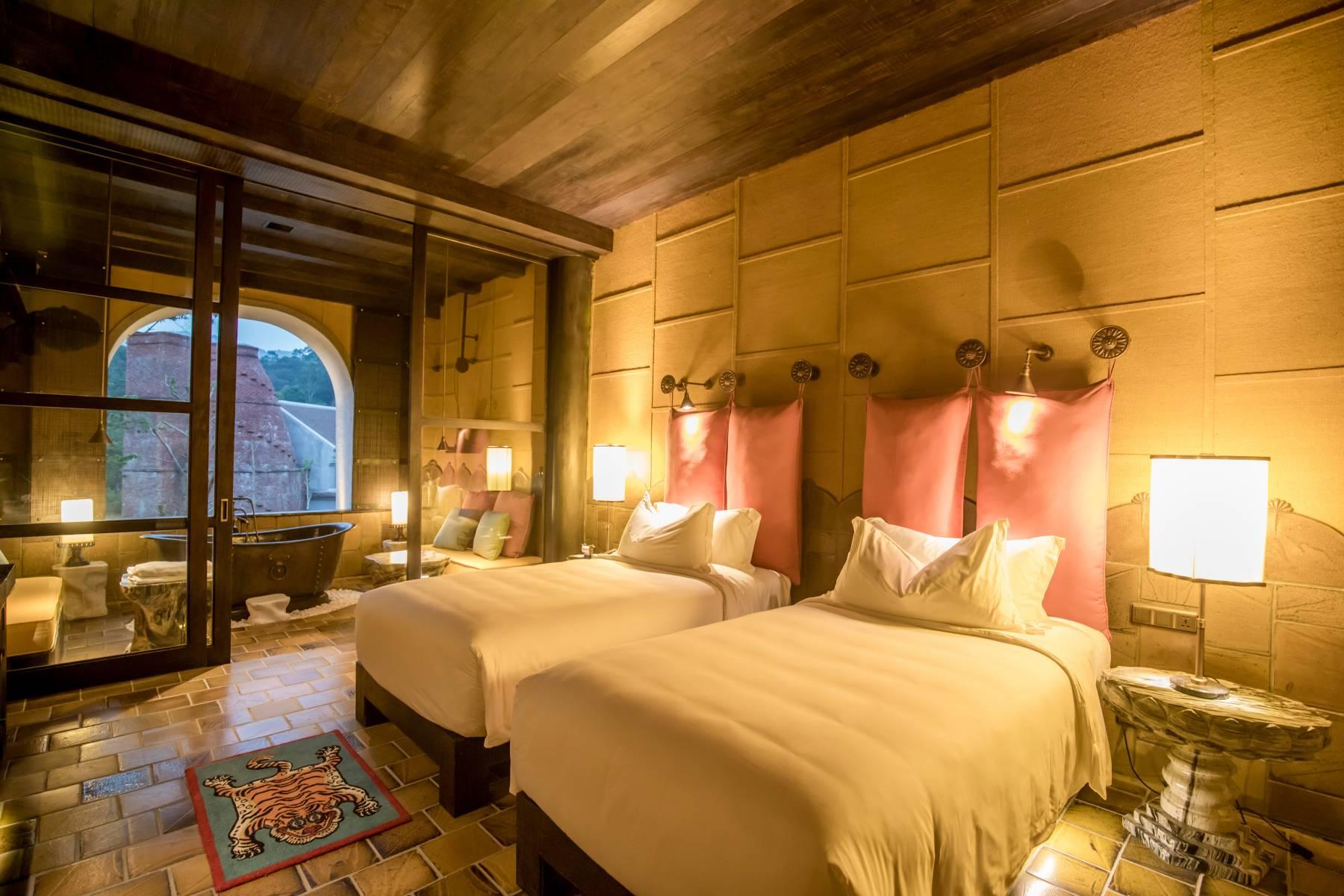 junior-suite-2-single-size-beds