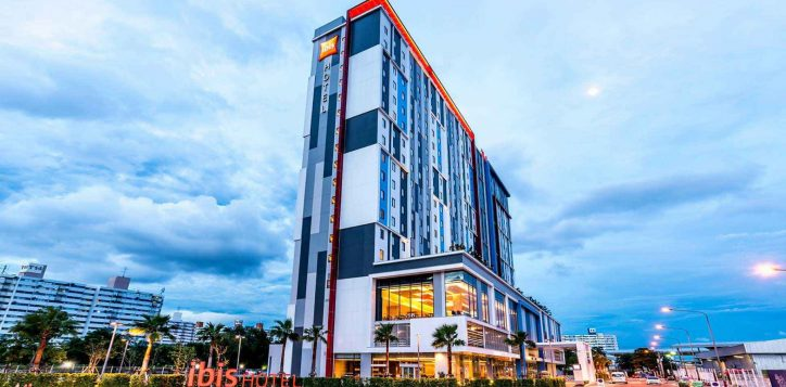 ibisbangkokimpact-ourhotel-exterior-2