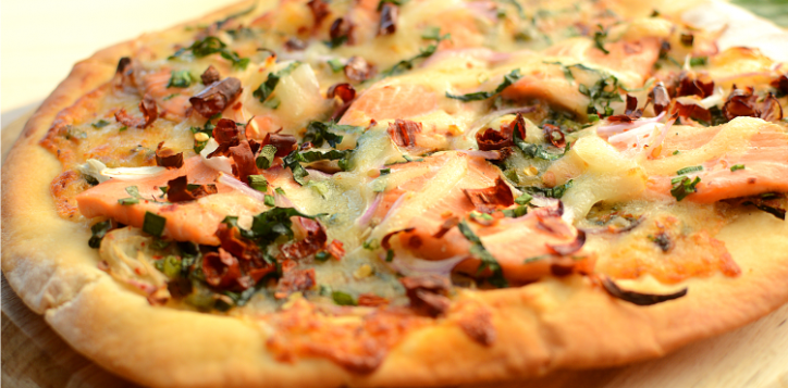 ibi_laab_salmon_pizza_750x420