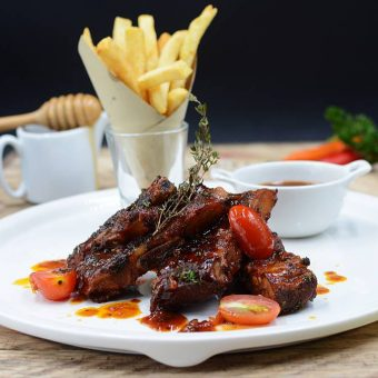 bbq-spare-ribs-at-taste-restaurant