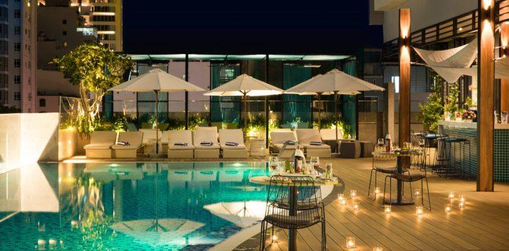 streats-pool-bar
