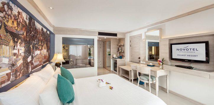 novotel-phuket-resort-deluxe-pool-access-002-2
