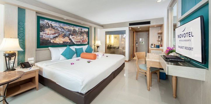 novotel-phuket-resort-deluxe-intro-2