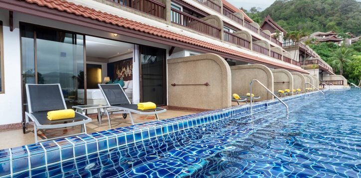 novotel-phuket-resort-deluxe-pool-access-intro1