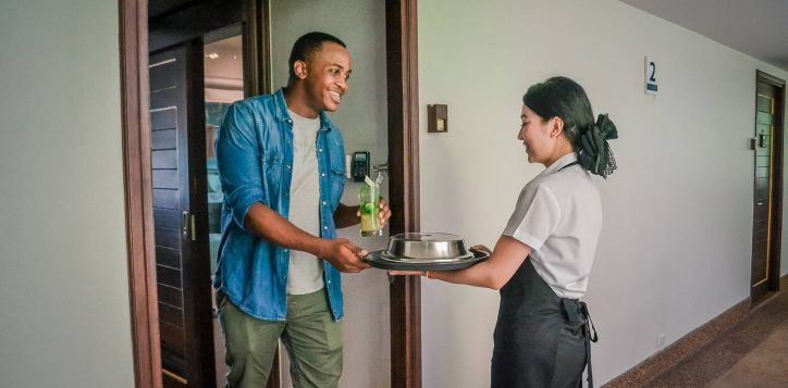 novotel-phuket-resort-room-service2