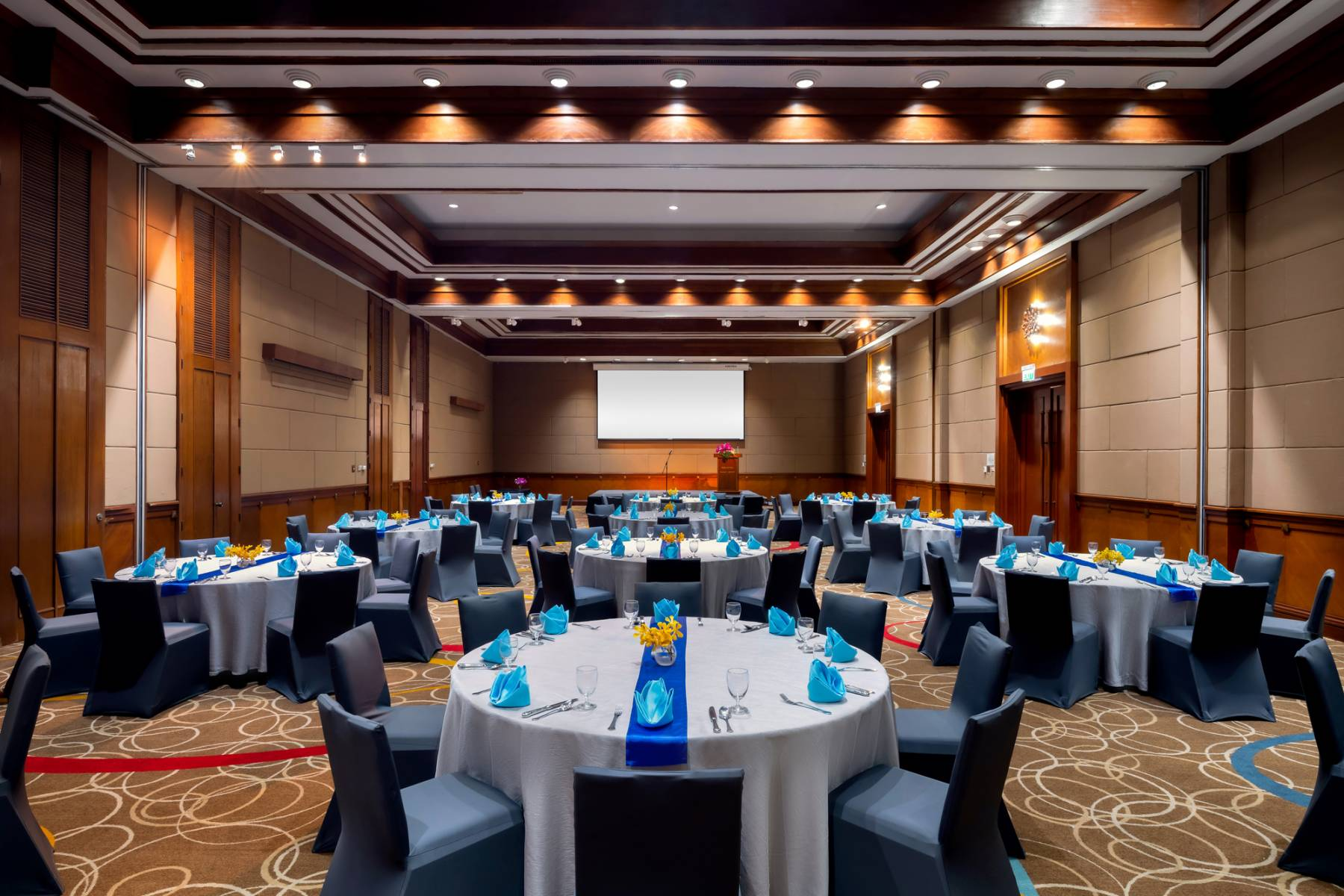 meetings-at-novotel-phuket