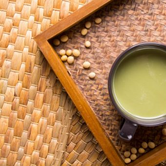 swiss-gourment-matcha-and-houjicha-soy-milk-latte