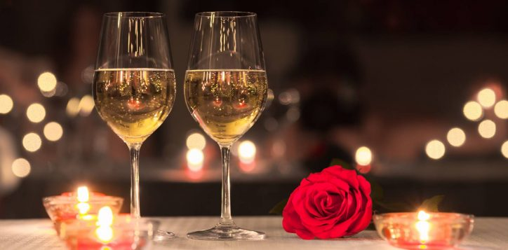 swissotel-nankai-osaka_romantic-dinner-champange