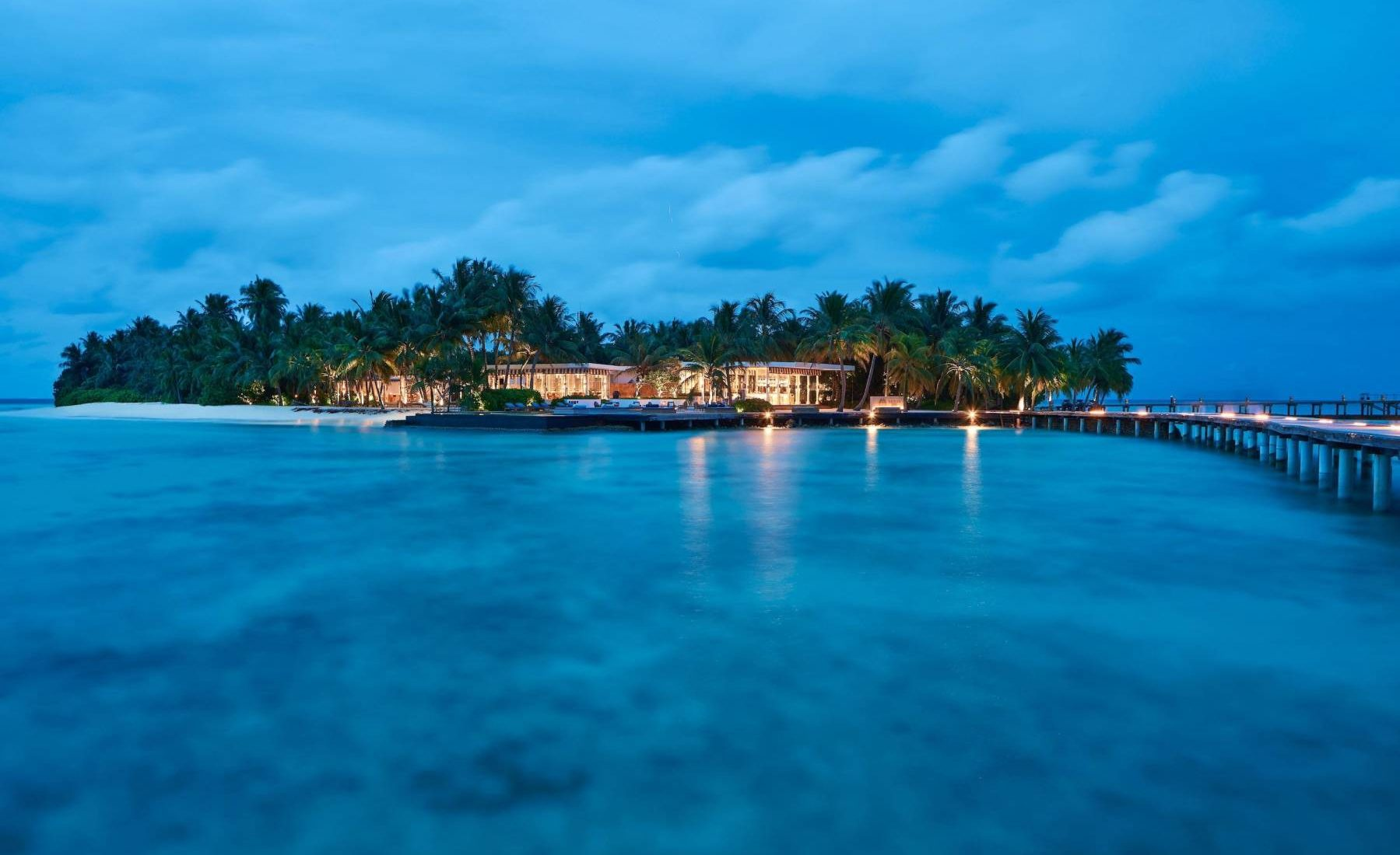 Raffles Maldives Meradhoo - Two private islands