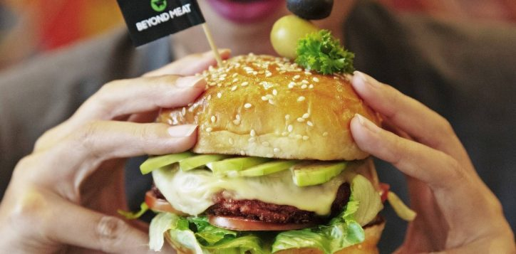 ibisstylesbangkokratchada_beyond-burger-plant-based