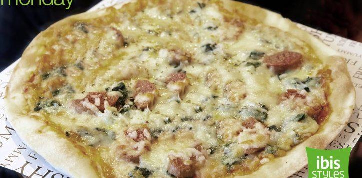 ibisstyles-bangkok-ratchada-pizza-di-omni-meat1