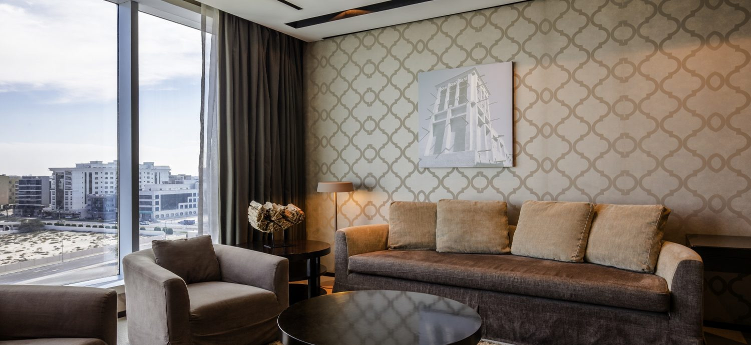 junior-suite-lounge-access-1-king-size-bed