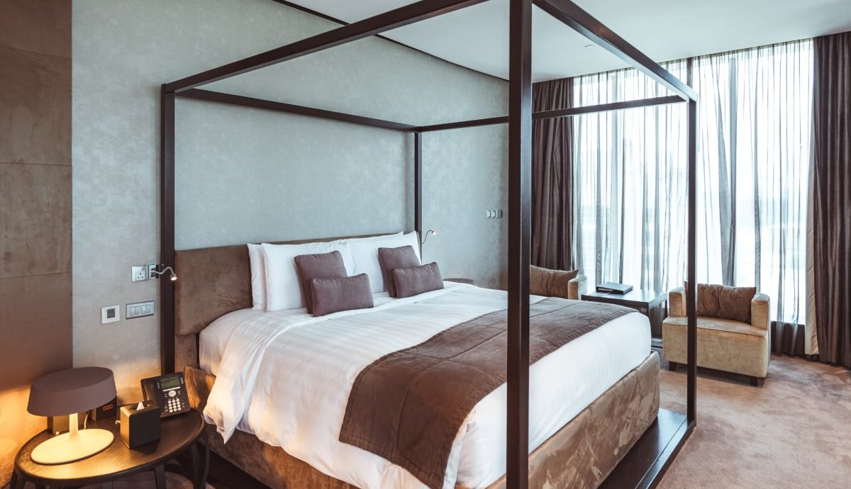 duplex-suite-lounge-access-1-king-size-bed-high-floor