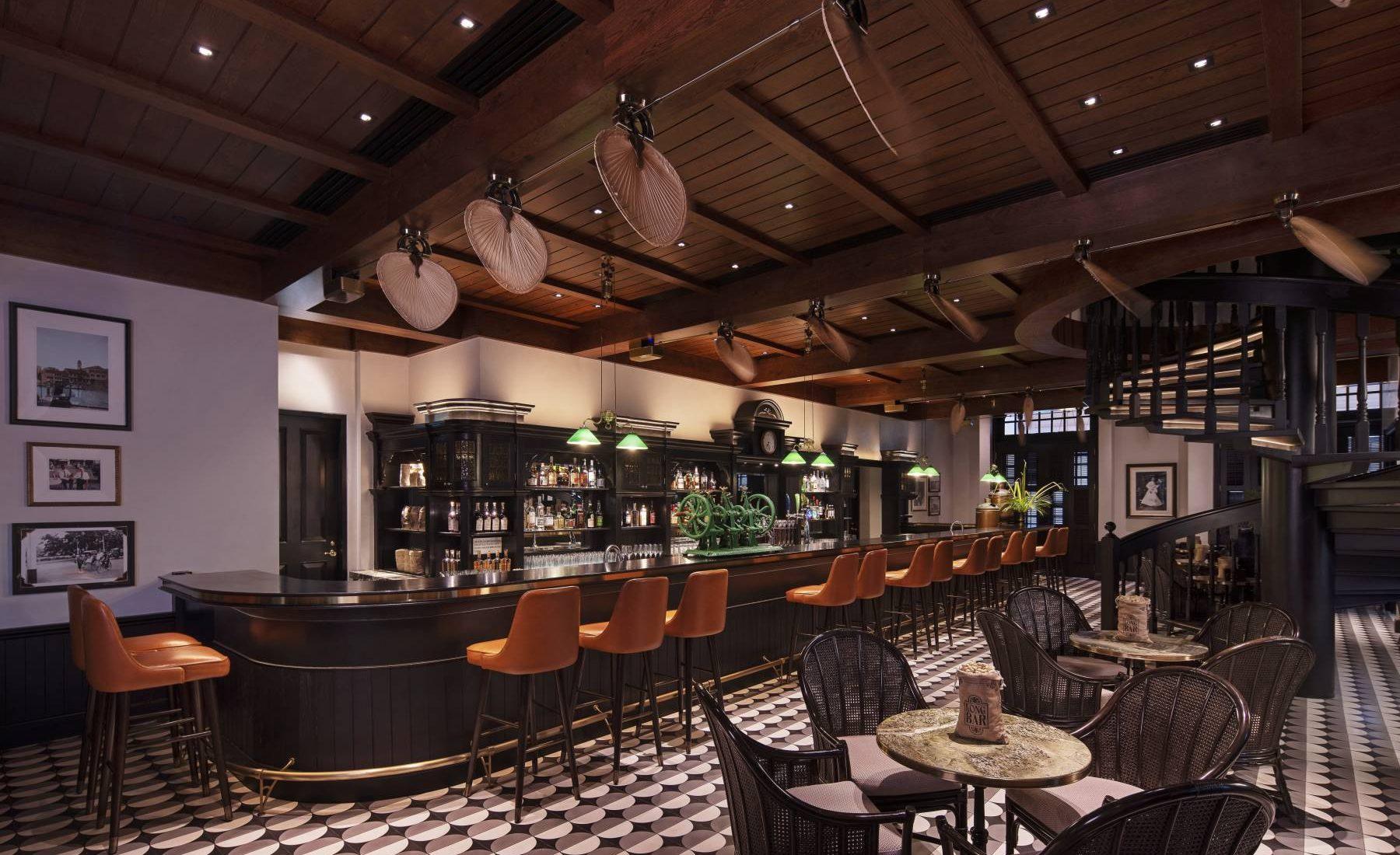Raffles Singapore - Long Bar
