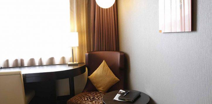 guestroom_sofa