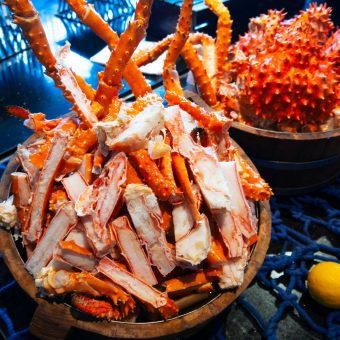 treat-your-valentine-to-alaska-king-crab