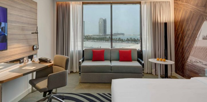 superior-family-room-lagoon-view