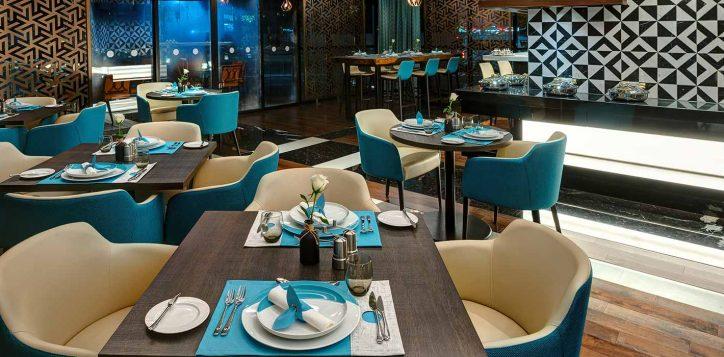 nsec_tahi_restaurant_slide_04