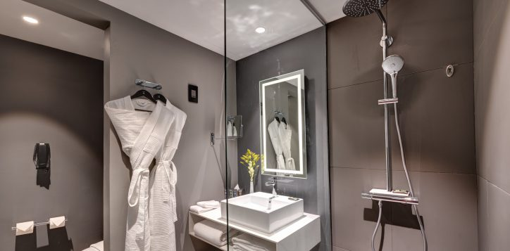 bedroom-bath
