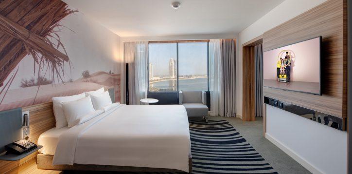 suite-room-bed