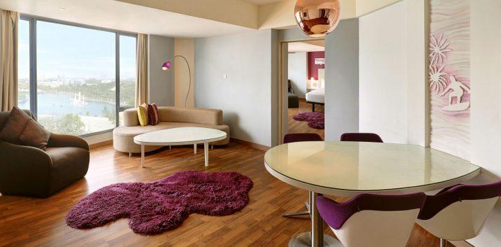 pelangi-suite-room