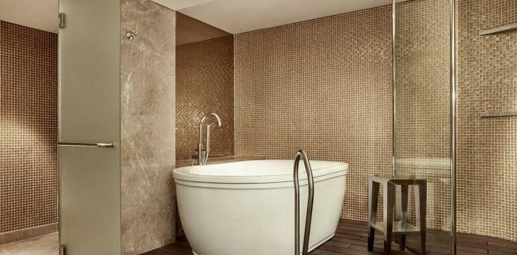 presidential-suite-bathroom-2