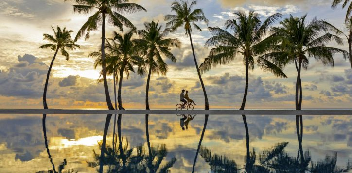 3_pool-beach-bike