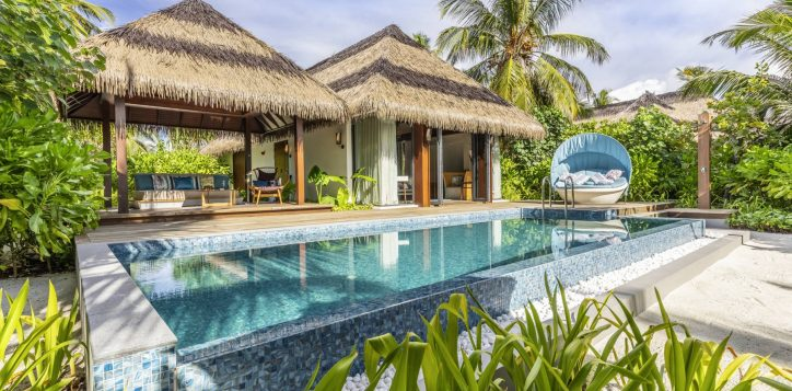 30_beach-pool-villa-exterior