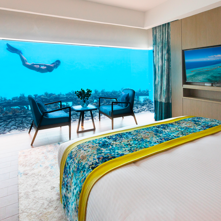 the-underwater-villa-experience