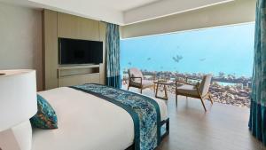 Aqua villa - Underwater bedroom Maldives | Pullman Maldives