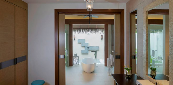 pullman-maldivesmaamutta_beachvilla108_bathroom_31a8043-2