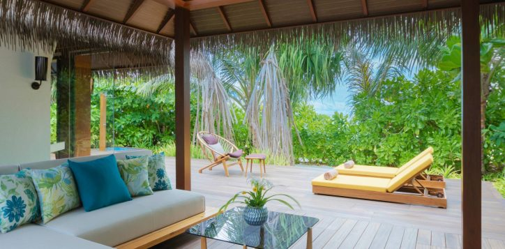 pullman-maldivesmaamutta_beachvilla108_outdoordeck_31a8031-2