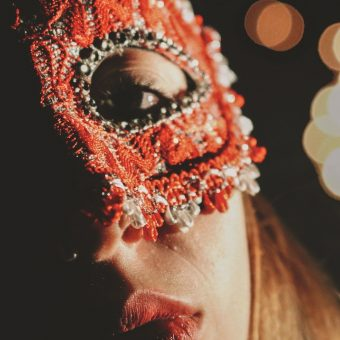 new-years-eve-masquerade-party