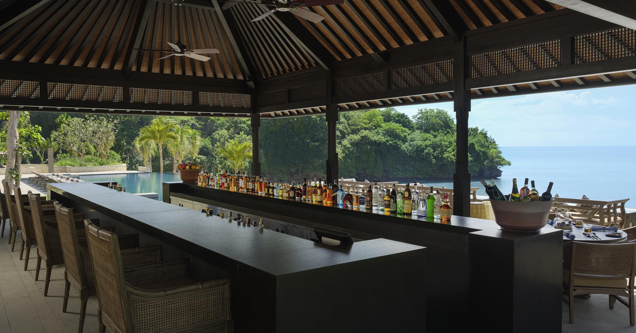 Raffles Bali - Loloan Beach Bar and Grill