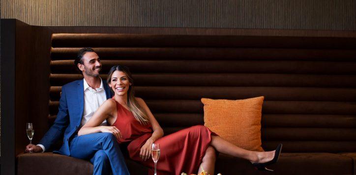 exec-lounge-couple-2
