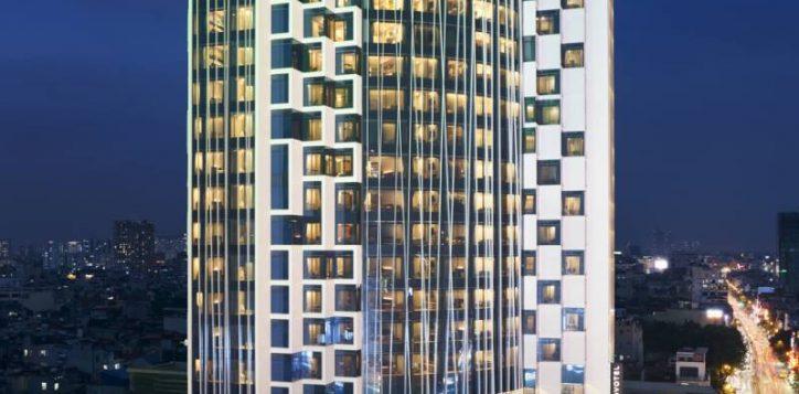 2020_09_24novotelthaihahanoi_markfarwell-facadenight-0519
