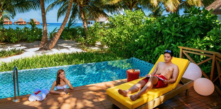 h9923_lifestyle_beachpoolvilla_1