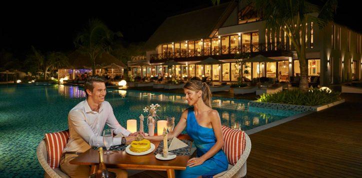 14_romantic-dinner