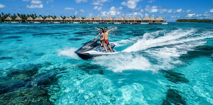 41_jet-ski-by-the-reef