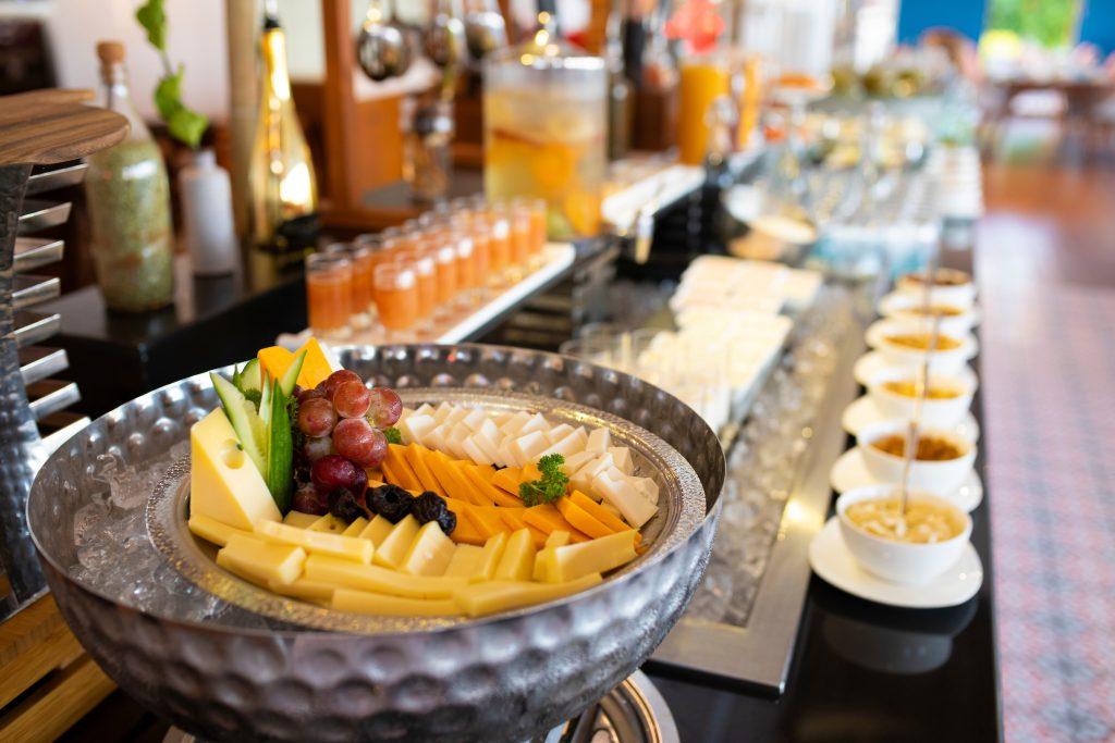 Breakfast_Mercure Maldives Kooddoo_Meal Plans
