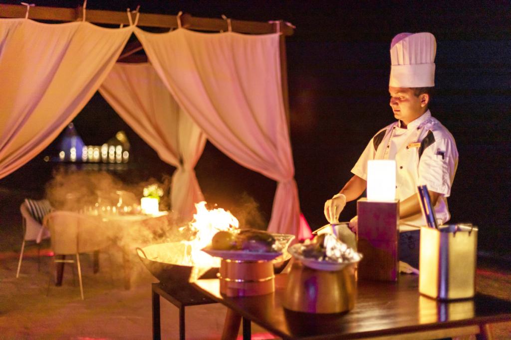 Lobster Dinner _Mercure Maldives Kooddoo