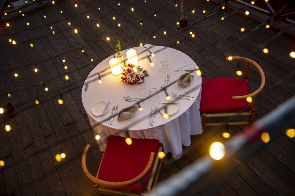 Romantic Dinner_Mercure Maldives Kooddoo