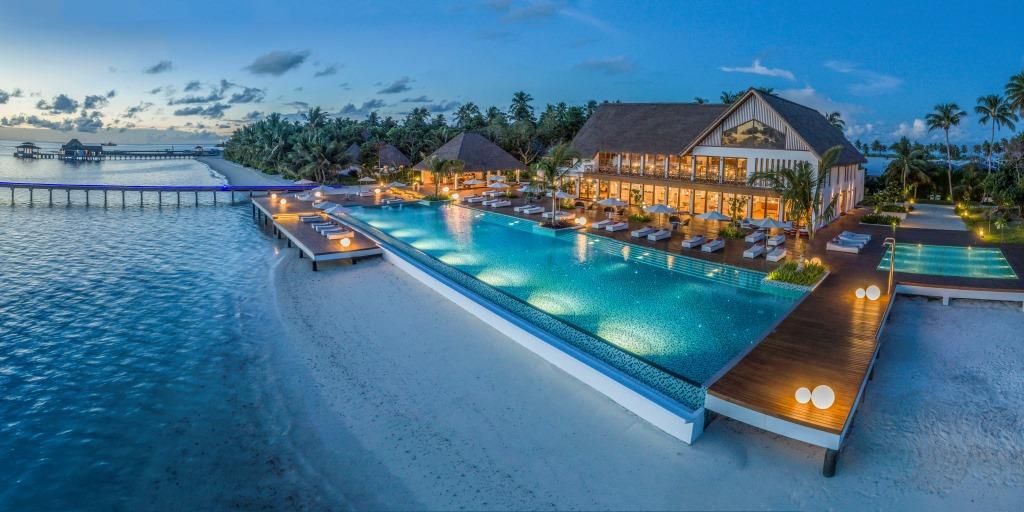 Alita All Day Dining _ Mercure Maldives Kooddoo