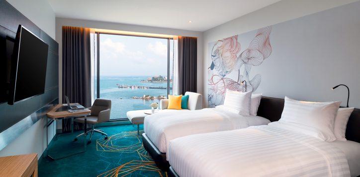 3-rooms-suites-details-2-deluxe-room