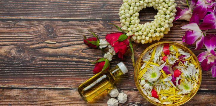 thai-traditional-jasmine-garland-colorful-flower-water-bowls-decorating-perfume-marly-limestone-1